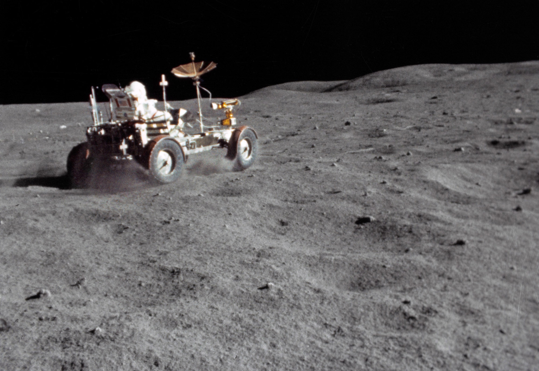 американцы на Луне фото