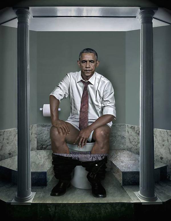 Барак Обама в туалете
