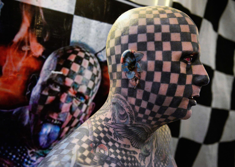 все тело в татуировках