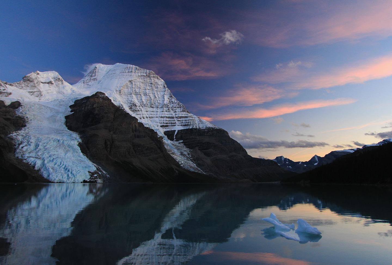 Canada Berg Lake by Daniel Shirking