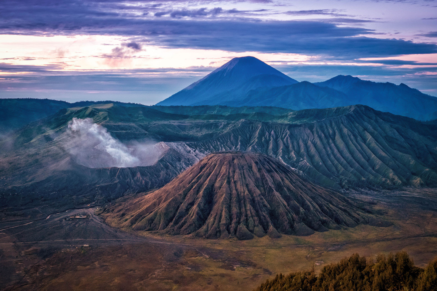 Indonesia Mt Bromo sunrise by Rosie Yound