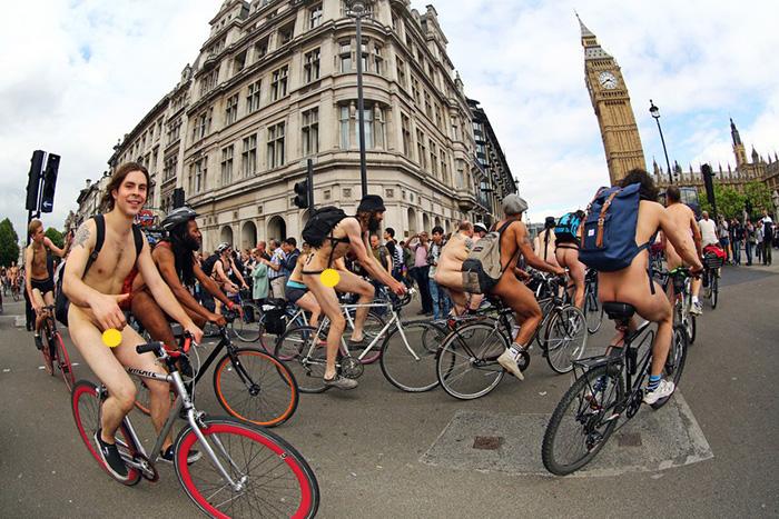 Голый велопребег в Лондоне