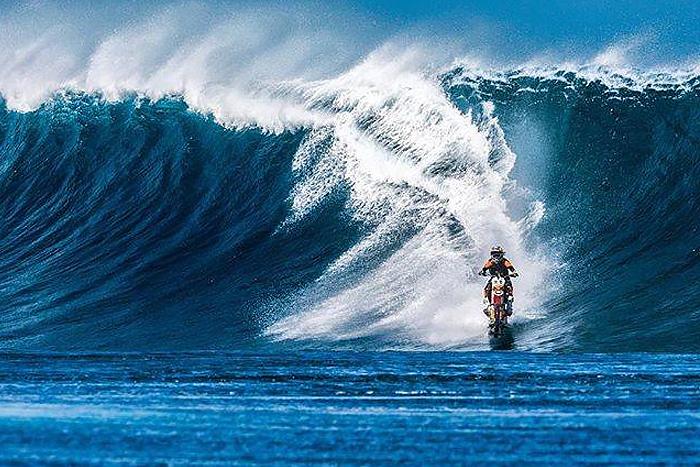 Робби Мэддисон по воде на мотоцикле