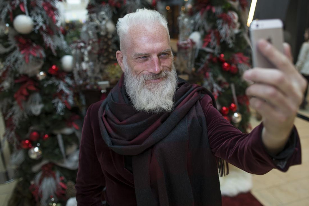 Модный Санта Клаус