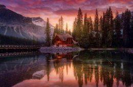 Изумрудное озеро в Канаде