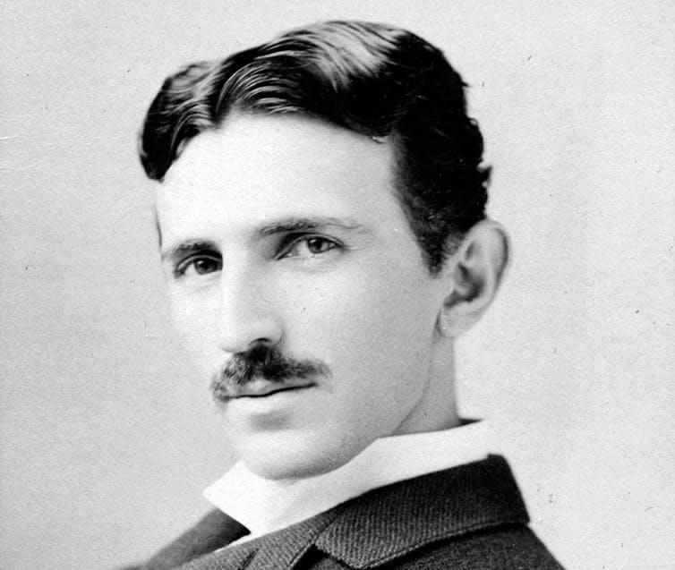 Никола Тесла, электрик-предприниматель, около 1893 года.
