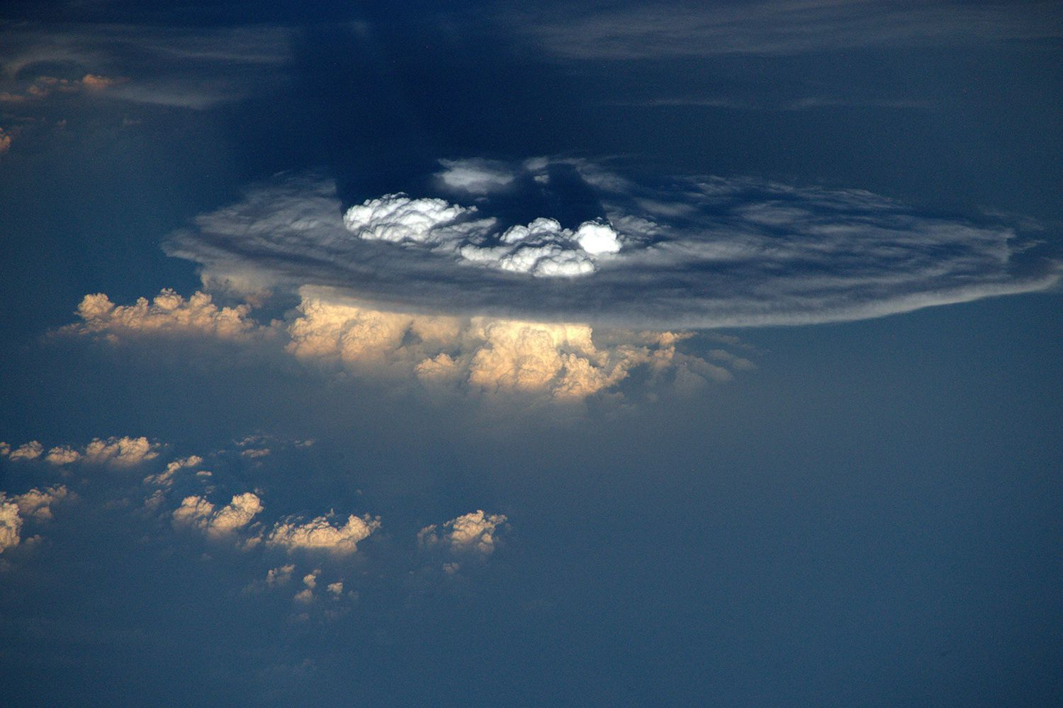 nasa makes clouds - HD 1500×1000
