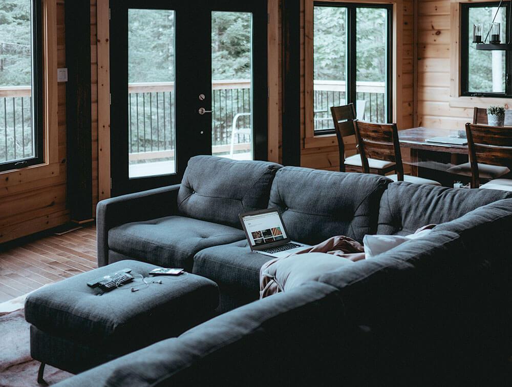 Гостиная - популярное место времяпровождения для гостей и обитателей дома.
