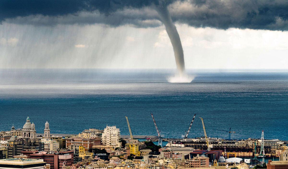 Водяной торнадо