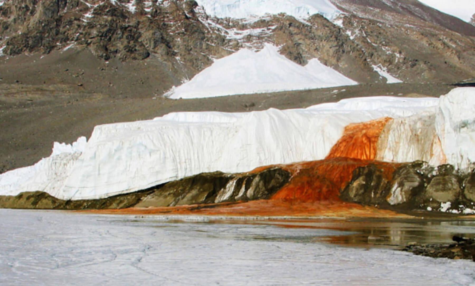 Кровавые водопады в антарктиде