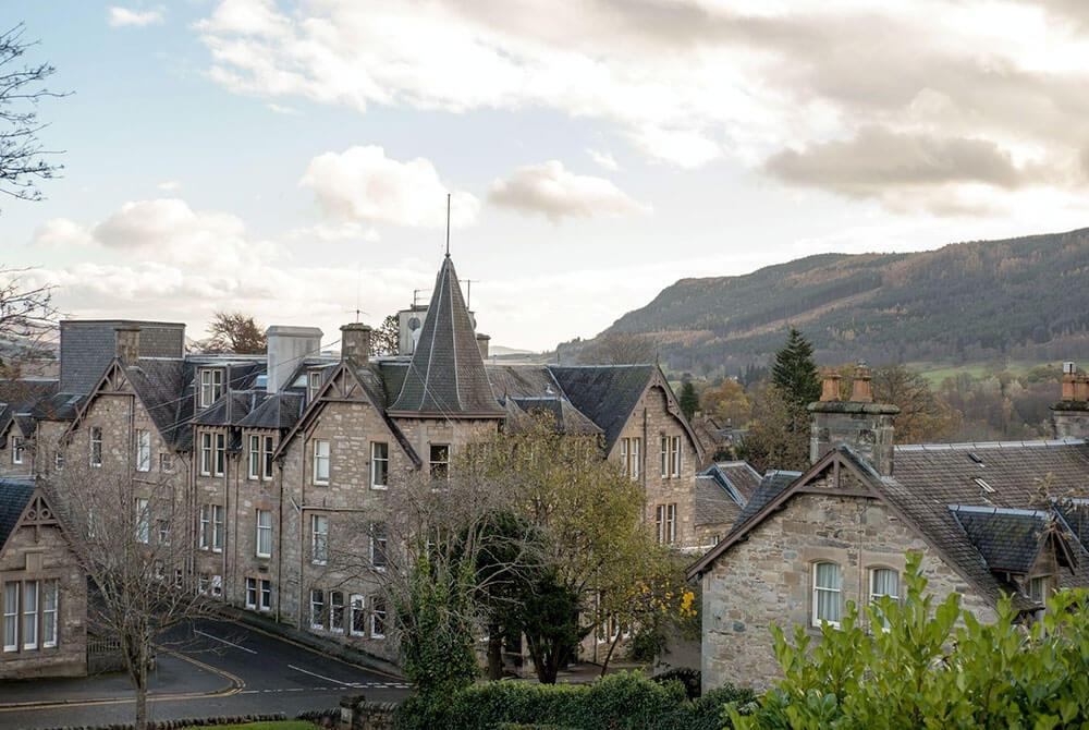 Город Питлохри в шотландии