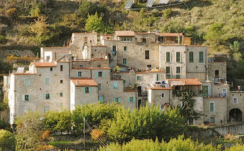 экологичная деревня Торри Супериор, Италия