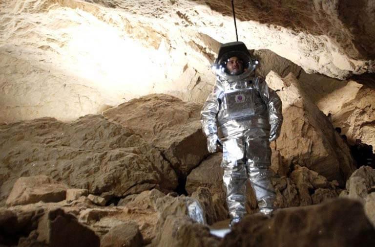 полёт на марс и жизнь в пещерах